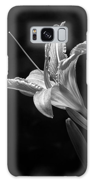 Day Lily Profile Galaxy Case