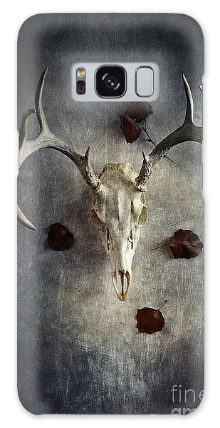 Deer Buck Skull With Fallen Leaves Galaxy Case