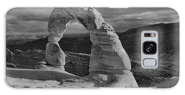 Delicate Arch Black And White Sunset Shadow Galaxy Case