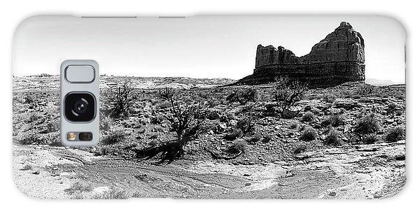Desert Landscape - Arches National Park Moab, Utah Galaxy Case