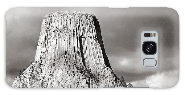 Devil's Tower Black And White Galaxy Case
