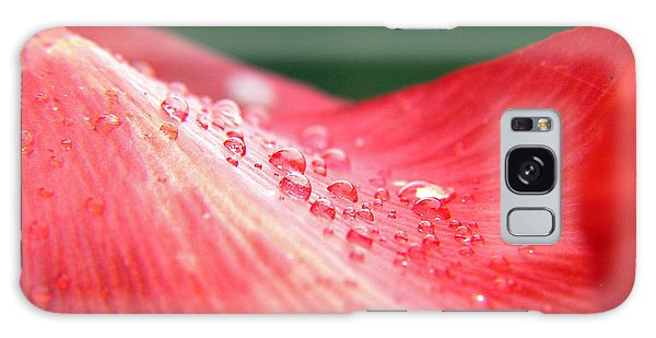 Dew Drops On A Wave Of Red Galaxy Case