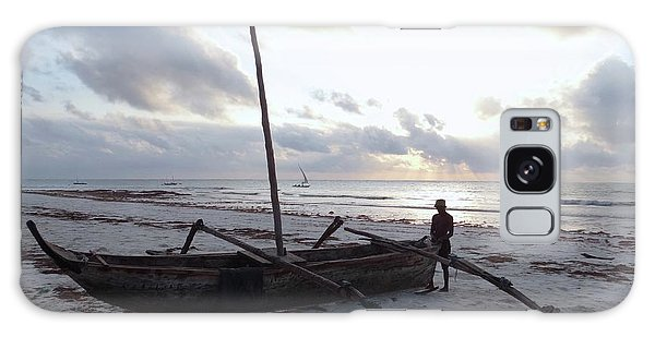 Exploramum Galaxy Case - Dhow Wooden Boats At Sunrise With Fisherman by Exploramum Exploramum