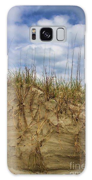 Digging In Deep In Sand Dunes Galaxy Case