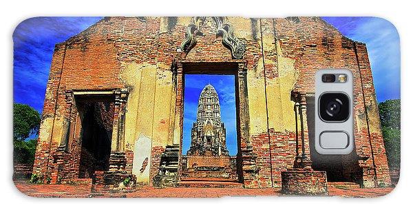 Doorway To Wat Ratburana In Ayutthaya, Thailand Galaxy Case