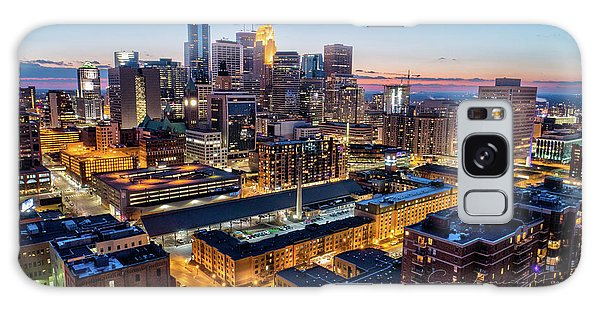 University Of Minnesota Galaxy S8 Case - Downtown Minneapolis At Dusk by Gian Lorenzo Ferretti