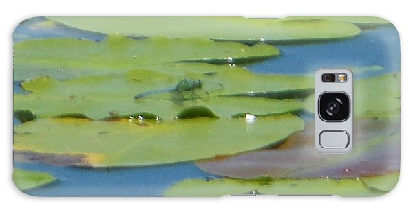 Dragonfly On Lily Pad Galaxy Case