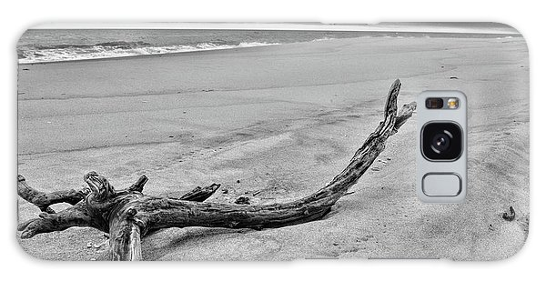 Driftwood On The Beach In Black And White Galaxy Case by Paul Ward