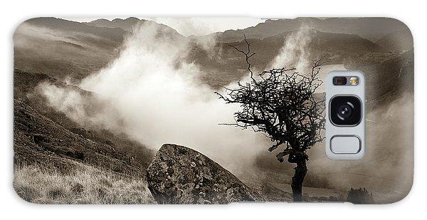 Early Mist, Nant Gwynant Galaxy Case