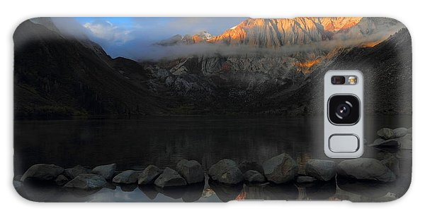 Early Morning Light At Convict Lake In The Eastern Sierras Galaxy Case