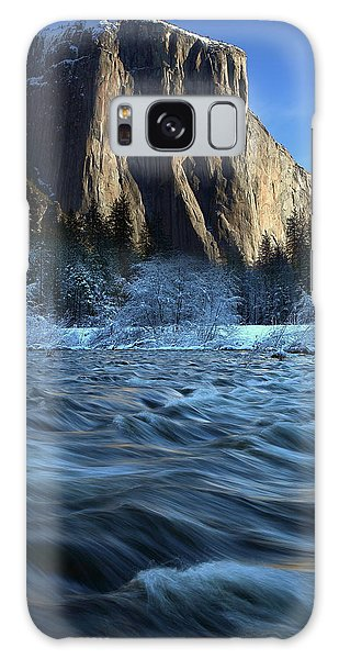 Early Morning Light On El Capitan During Winter At Yosemite National Park Galaxy Case