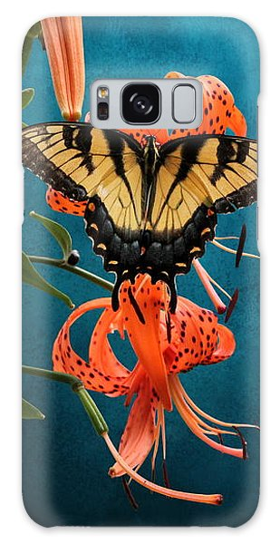 Eastern Tiger Swallowtail Butterfly On Orange Tiger Lily Galaxy Case