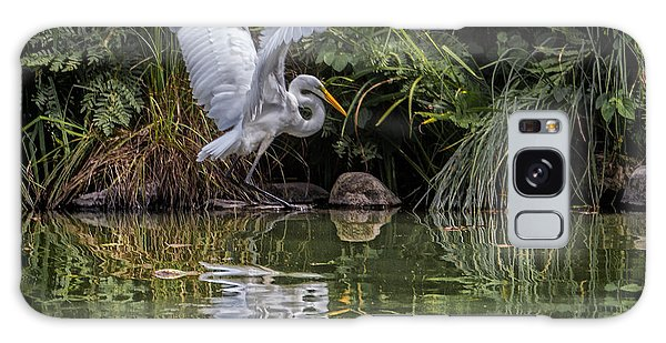 Egret Hunting For Lunch Galaxy Case