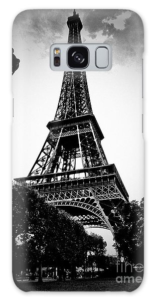 The Eiffel Tower With Vignetting Galaxy Case