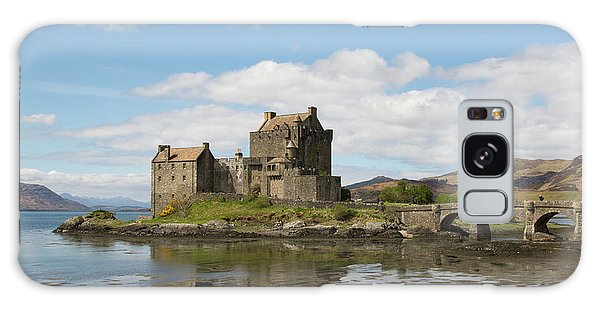 Eilean Donan Castle - Scotland Galaxy Case