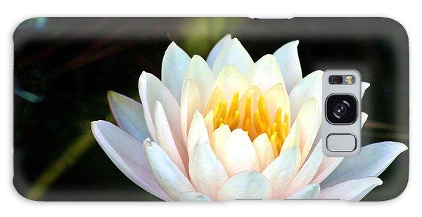 Elegant White Water Lily Galaxy Case