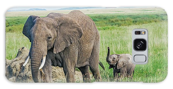 Mama Africa Galaxy Case - Elephant Calf With Mama by Barbara Hayton