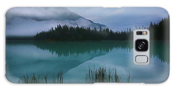 Emerald Lake Before Sunrise Galaxy Case