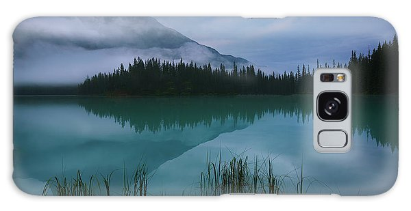 Emerald Lake Before Sunrise Galaxy Case
