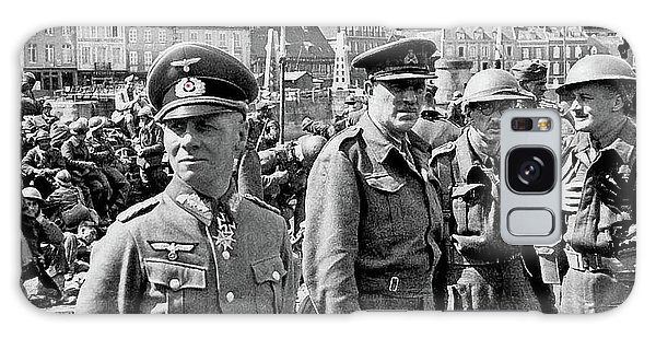 Erwin Rommel And Captured British Soldiers Tobruck Libya 1942 Color Added 2016  Galaxy Case