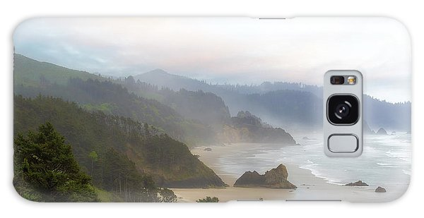 Galaxy Case - Falcon And Silver Point At Oregon Coast by David Gn