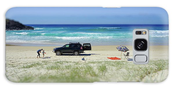 Family Day On Beach With 4wd Car  Galaxy Case