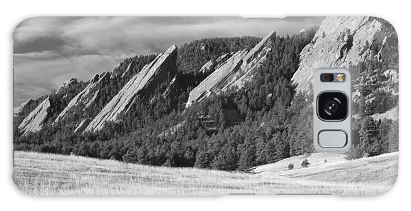 Flatiron Morning Light Boulder Colorado Bw Galaxy Case