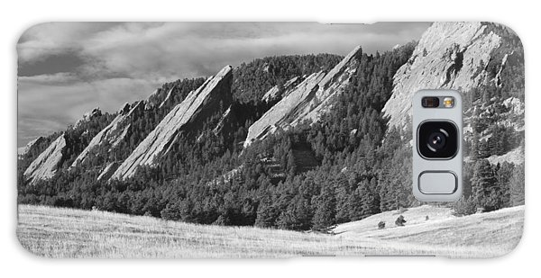 Flatiron Morning Light Boulder Colorado Bw Galaxy Case