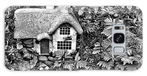 Flower Garden Cottage In Black And White Galaxy Case
