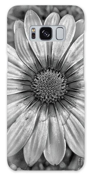 Flower Power - Bw Galaxy Case