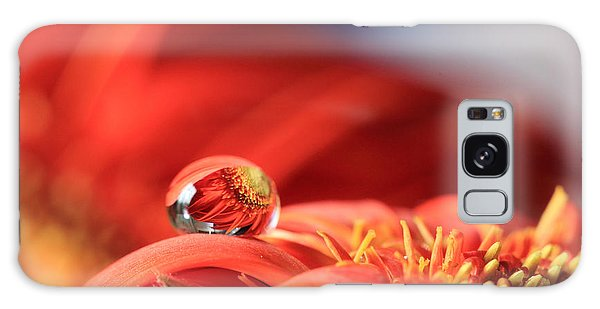 Flower Reflection In Water Drop Galaxy Case
