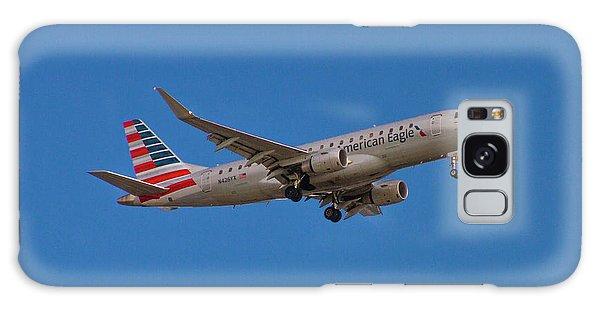 Flying In American Eagle Embraer 175 N426yx Galaxy Case