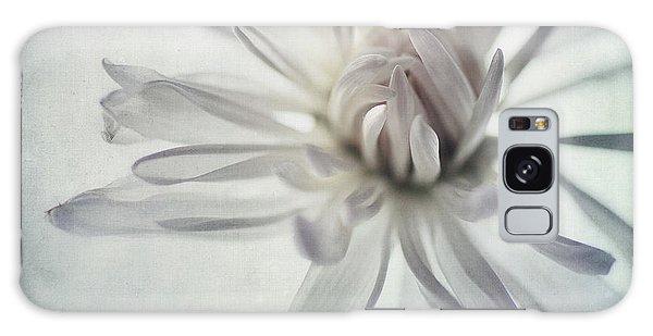 Daisy Galaxy Case - Focus On The Heart by Priska Wettstein