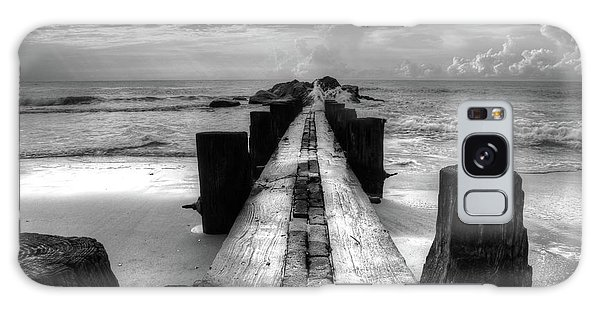 Folly Beach Pilings Charleston South Carolina In Black And White  Galaxy Case