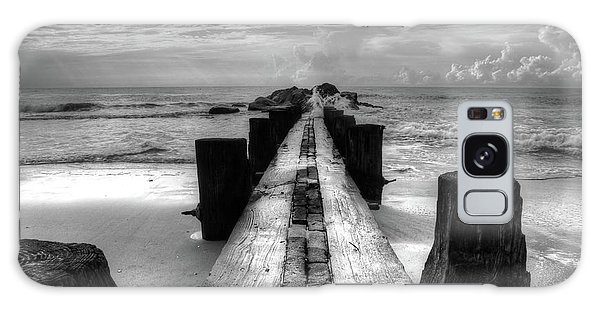 Folly Beach Pilings Charleston South Carolina In Black And White  Galaxy Case