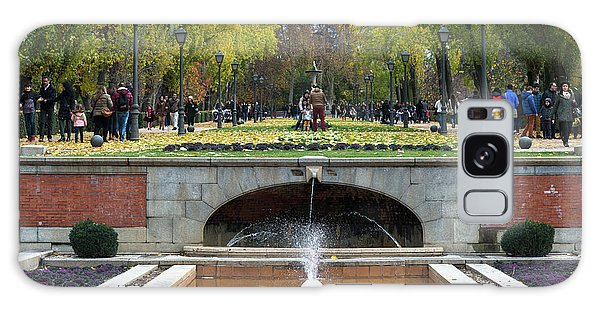 fountain in Buen Retiro  Galaxy Case