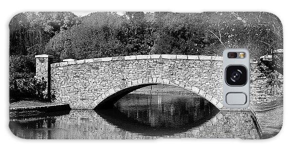Freedom Park Bridge In Black And White Galaxy Case