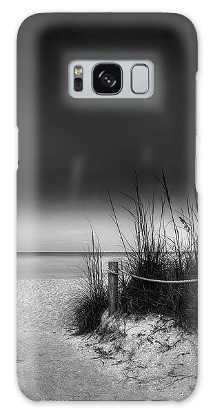 Full Moon Beach In Black And White Galaxy Case