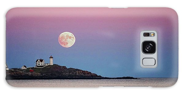 Full Moon Rising At Nubble Light Galaxy Case