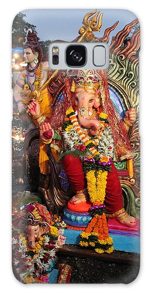 Ganesha Arati On Ganesh Chaturthi, Ganeshpuri Galaxy Case