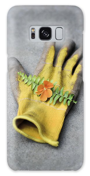 Garden Glove And Pansy Blossom2 Galaxy Case