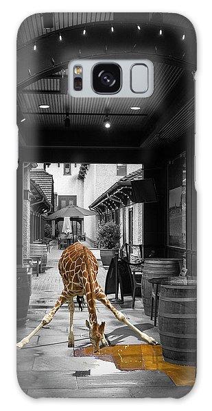 Giraffe Drinking Whiskey Series 4987y Galaxy Case