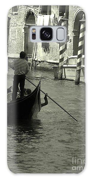 Gondolier In Venice   Galaxy Case