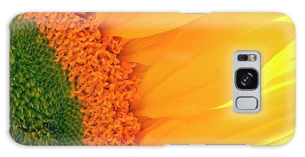 Gorgeous Sunflower Macro Galaxy Case