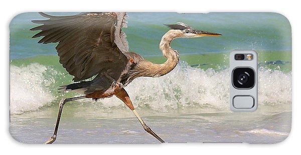 Great Blue Heron Running In The Surf Galaxy Case by Myrna Bradshaw