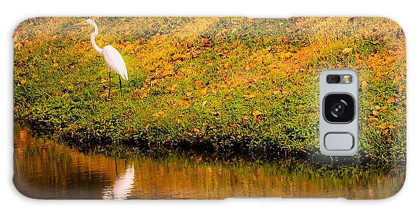 Great Egret At The Lake Galaxy Case