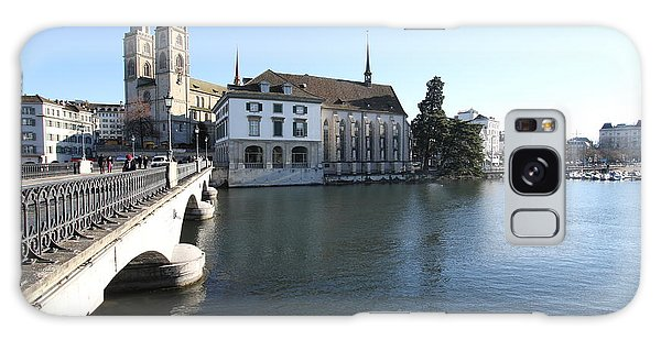 Grossmunster, Wasserkirche And Munsterbrucke - Zurich Galaxy Case