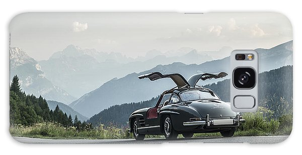 Gullwing In The Mountains Galaxy Case