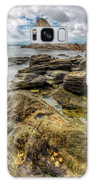 Sea Stacks Galaxy Case - Gwenfaens Pillar  by Adrian Evans