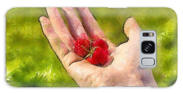 Hand And Raspberries - Da Galaxy Case
